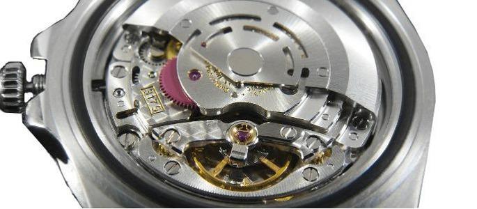 Bachs Briller. Vi kan også reparere dit ur og skifte et batteri hvis der er behov for det.